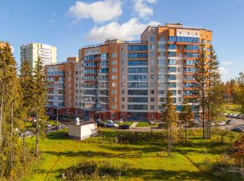 Разноэтажные секции жилого дома
